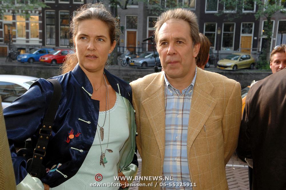 NLD/Amsterdam/20061011 - Presentatie boek Andre van Duin, Maarten Spanjer en partner Henny van de Bor