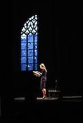 Reportage spectacle lecture par Carole Bouquet, de Lettres de Antonin Artaud, juillet 2011, église de Brou, Bourg en Bresse.