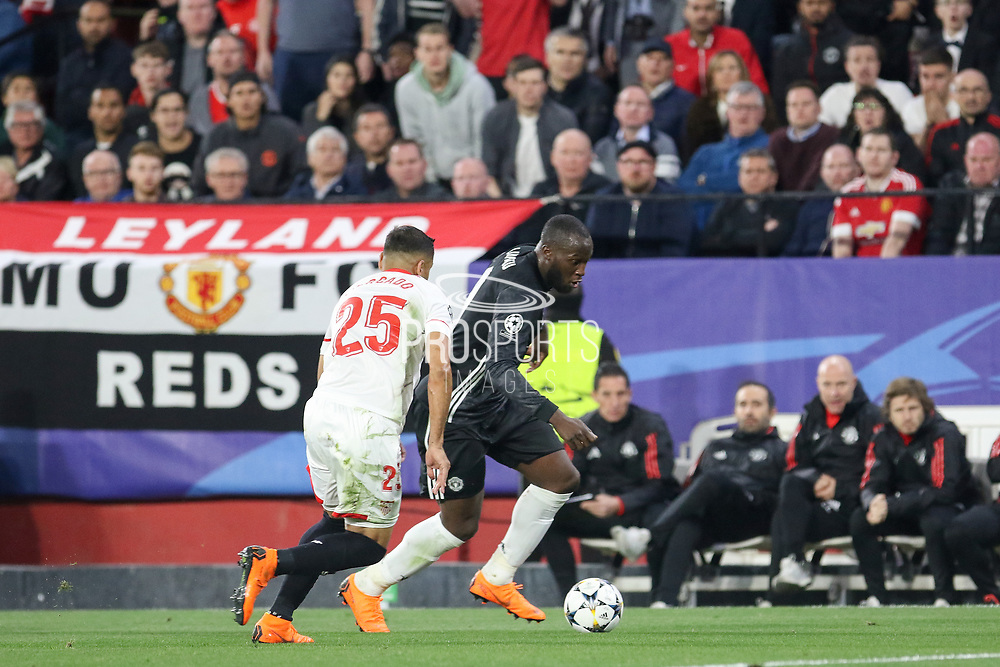 Manchester United Forward Romelu Lukaku battles with Sevilla defender Gabriel Mercado during the Champions League match between Sevilla and Manchester United at the Ramon Sanchez Pizjuan Stadium, Seville, Spain on 21 February 2018. Picture by Phil Duncan.