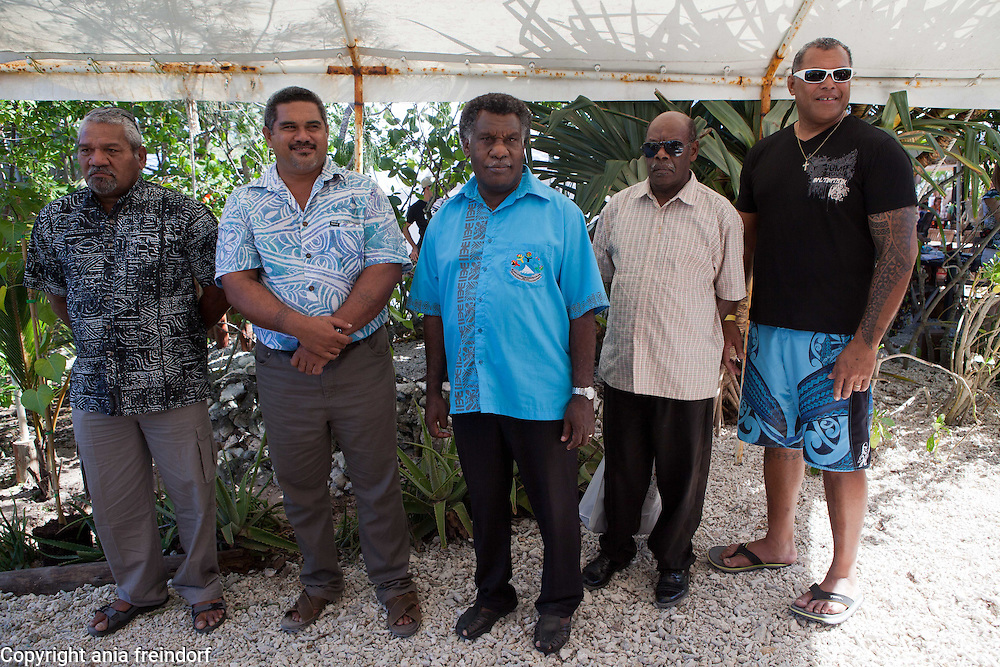 New Caledonia, Noumea, program &quot;One Tree, One Day, One life&quot;, Everything started with the federation of 14 States and Territories from the Pacific<br /> on the operation &laquo; One tree, one day, a life &raquo;, an initiative of Mr. Anthony Lecren,<br /> Member of the Government of New Caledonia in charge of Economy and<br /> Sustainable Development, which allowed to bring a common voice for Oceania<br /> in Rio +20. The aim is to plant, every year, as many tree as inhabitants in the<br /> Pacific (250000 in New Caledonia but 10 million in Oceania).<br /> This first action of stature incited leaders from the insular States and Territories of<br /> the Pacific to go further and to federate during OCEANIA 21 Meetings, an<br /> initiative of the Government of New Caledonia. The objective: to be heard in the<br /> nations&rsquo; concert and to provide concrete answers to specific and shared<br /> problems related to island sustainable development, with a politic of best<br /> practices and information sharing. Representatives of various states, plant their trees during the Oceania 21, 2014 meetings.