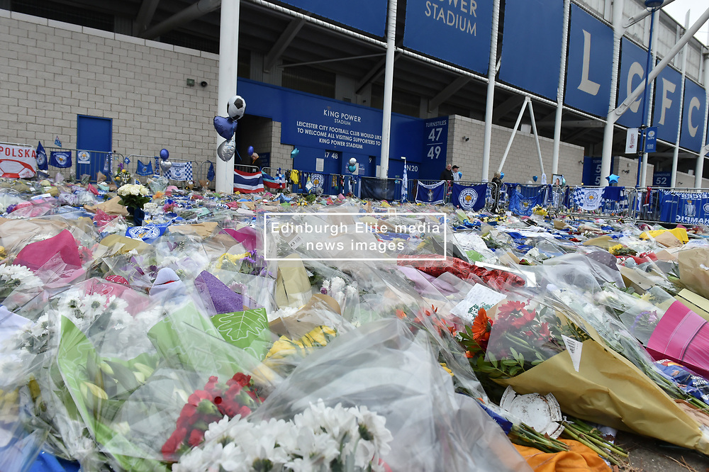 Tributes and flowers as far as the eye can see (c) Simon Kimber   SportPix.org.uk