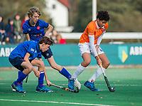 BLOEMENDAAL - Rogier Koppenol (Bldaal)  tijdens de  competitiewedstrijd hockey jongens B , Bloemendaal JB1-Breda JB1 (3-2)  , COPYRIGHT KOEN SUYK