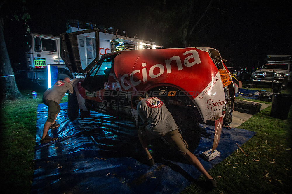 Acciona 100x100 ecopowered,electric car, Dakar 2015, First Bivouac, Villa Carlos de San Juan.