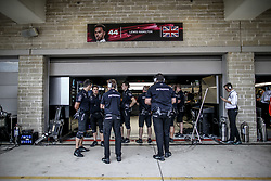October 20, 2017 - Austin, United States of America - Motorsports: FIA Formula One World Championship 2017, Grand Prix of United States, .mechanic of Mercedes AMG Petronas F1 Team  (Credit Image: © Hoch Zwei via ZUMA Wire)