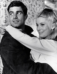 "Catherine Deneuve and Nino Castelnuovo ""The Umbrellas of Cherbourg"" (1964) 20th Century Fox (Avalon Photoshot / Fotogramma, Hollywood - 1964-01-01) ps the photo is usable in respect of the context in which it was taken, and without defamatory intent of the decorum of the persons represented (Avalon Photoshot/Fotogramma, Photo Repertoire - 2019-11-06) p.s. la foto e' utilizzabile nel rispetto del contesto in cui e' stata scattata, e senza intento diffamatorio del decoro delle persone rappresentate"