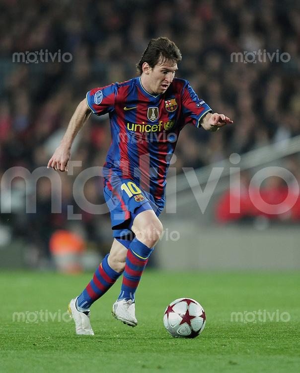 FUSSBALL  International  Champions   League  Rueckspiel   SAISON 2009/2010    FC Barcelona - VfB Stuttgart       17.03.2010 Lionel Messi (Barca) am Ball