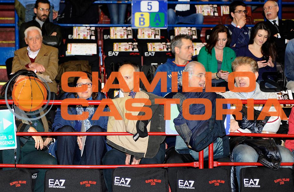 DESCRIZIONE : Milano Lega A 2012-13 EA7 Olimpia Armani Milano Saie3 Bologna<br /> GIOCATORE : Presidente Beko Elettrodomestici<br /> SQUADRA : <br /> EVENTO : Campionato Lega A 2012-2013<br /> GARA :  EA7 Olimpia Armani Milano Saie3 Bologna<br /> DATA : 27/01/2013<br /> CATEGORIA : Celebrita' Vip Parterre<br /> SPORT : Pallacanestro<br /> AUTORE : Agenzia Ciamillo-Castoria/A.Giberti<br /> Galleria : Lega Basket A 2012-2013<br /> Fotonotizia : Milano Lega A 2012-13 EA7 Olimpia Armani Milano Saie3 Bologna<br /> Predefinita :