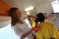 schnipp schnapp scissors palace downtown kuaotunu creative organic hair dressing in a funky caravan by the sea