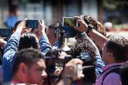 Trabajadores de medios de comunicación que trabajan diferentes  empresas periodísticas se concentran Viernes NOV 17, 2017 en la Plaza, Salvador del Mundo , San Salvador, El Salvador para protestar por el asesinato del camarógrafo Samuel Rivas del canal 21 fue asesinado el pasado16 de noviembre. Diferentes colegas exigieron la pronta esclarecimiento, la unidad elite de la fiscalía esta llevando la investigación en 2017  hasta la fecha 3 periodistas han sido asesinados. Photo: Edgar ROMERO/Imagenes Libress