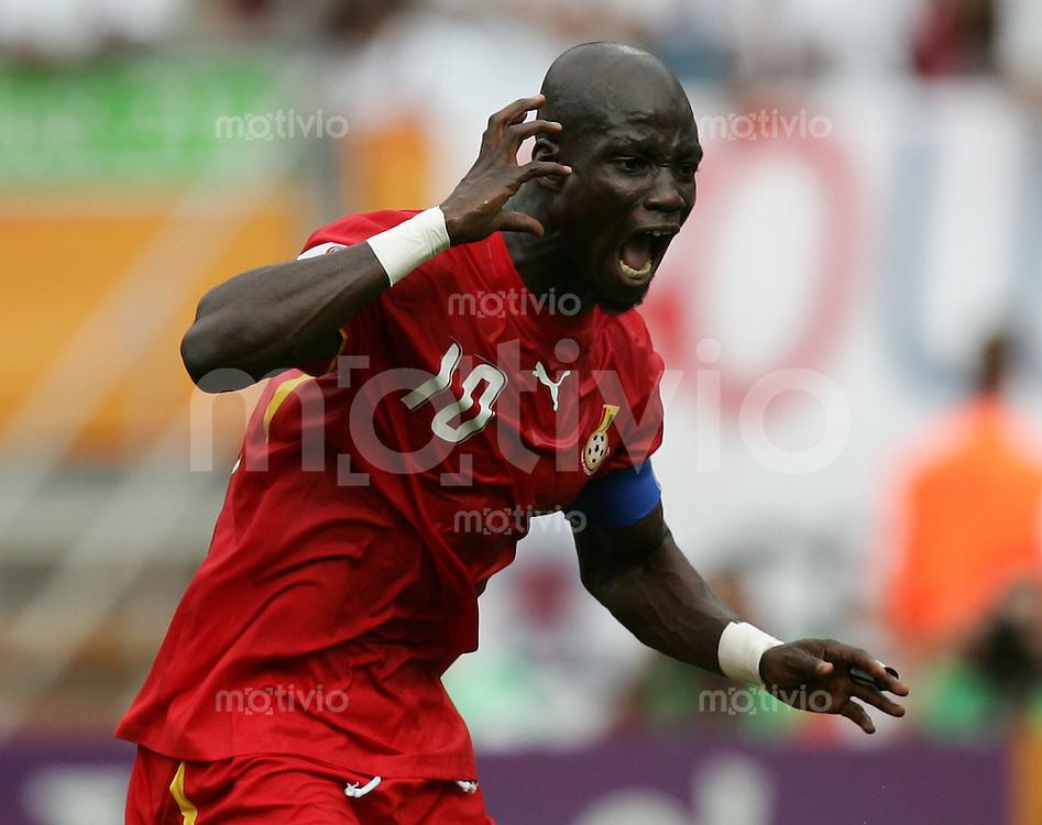 Fussball WM 2006 Gruppenspiel Gruppe E Vorrunde in Nuernberg Ghana - USA Stephan Appiah (GHA) jubelt nach seinem Elfmetertor zum 2:1.