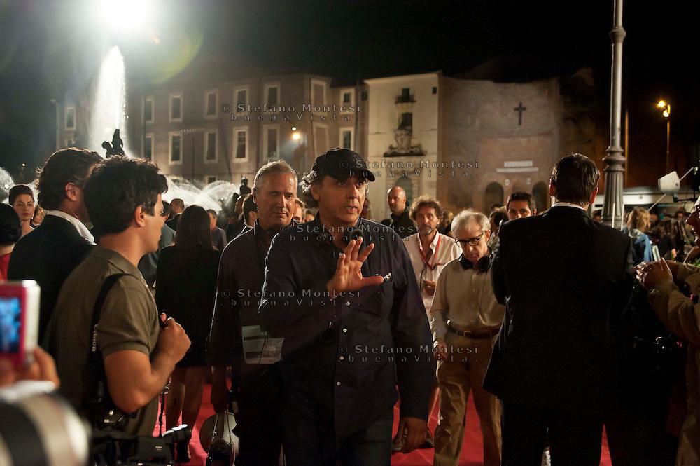Roma 9 Agosto  2011.Il set del  film The Bob Decameron di Woody Allen, a Piazza della Repubblica.Darius Khondji direttore della fotografia