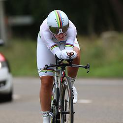 04-09-2015: Wielrennen: Ladiestour: Oosterhout OOSTERHOUT (NED) wielrennen<br />De vierde etappe was in Oosterhout een gevecht tegen het uurwerk. Wereldkampioene Lisa Brennauer pakt de winst in de tijdrit en neemt de leiding in de 18e Boels Rental Ladiestour