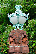 Friedrichsplatz, Mannheim, Baden-Württemberg, Deutschland | Friechrich Square, Mannheim, Baden-Wurttemberg, Germany | art nouveau lamp on Friechrich Square, Mannheim, Baden-Wurttemberg, Germany