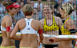 16-07-2014 NED: FIVB Grand Slam Beach Volleybal, Apeldoorn<br /> Poule fase groep G vrouwen - Tanja Goricanec and Tanja Hüberli SUI, Laura Ludwig and Julia Sude GER