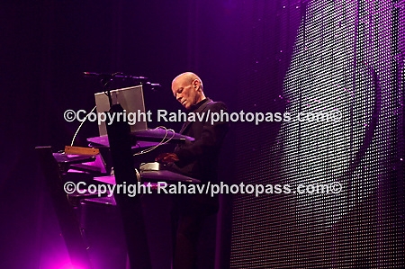 Yaz performing at Terminal 5 on July 17, 2008. .Alison Moyet - vocals.Vince Clarke - keyboards..