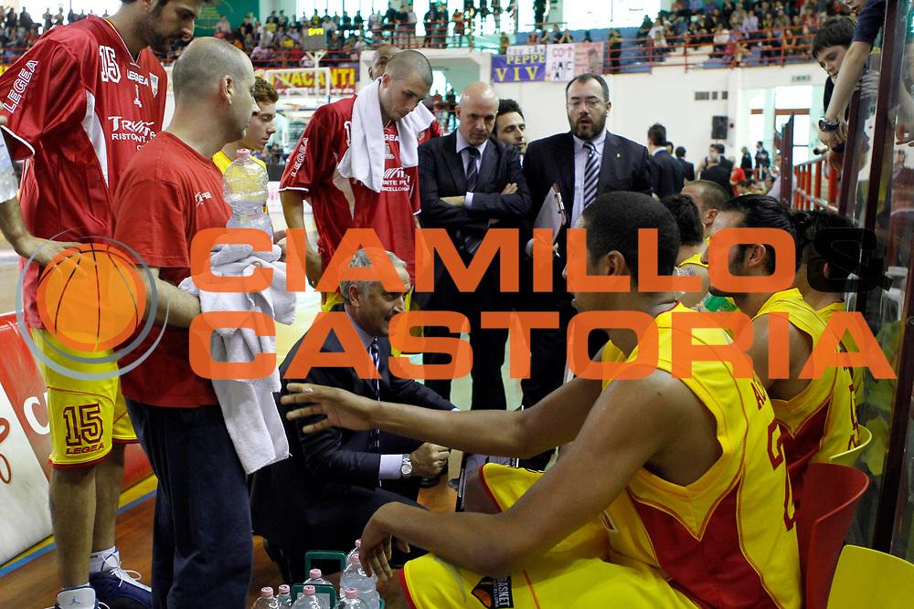 DESCRIZIONE : Barcellona Pozzo di Gotto Campionato Lega Basket A2 2010-11 Sigma Barcellona Sunrise Scafati<br /> GIOCATORE : Cesare Pancotto Immacolato Bonina Stefano Vanoncini<br /> SQUADRA : Sigma Barcellona<br /> EVENTO : Campionato Lega Basket A2 2010-2011<br /> GARA : Sigma Barcellona Sunrise Scafati<br /> DATA : 10/04/2011<br /> CATEGORIA : Ritratto Coach Time Out Vip<br /> SPORT : Pallacanestro <br /> AUTORE : Agenzia Ciamillo-Castoria/G.Pappalardo<br /> Galleria : Lega Basket A2 2010-2011 <br /> Fotonotizia : Barcellona Pozzo di Gotto Campionato Lega Basket A2 2010-11 Sigma Barcellona Sunrise Scafati<br /> Predefinita :
