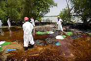 Mississippi River Oil Spill 2008
