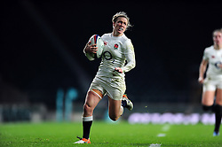 Danielle Waterman of England goes on the attack - Mandatory byline: Patrick Khachfe/JMP - 07966 386802 - 26/11/2016 - RUGBY UNION - Twickenham Stadium - London, England - England Women v Canada Women - Old Mutual Wealth Series.