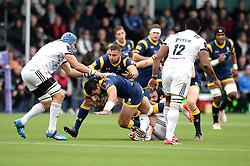 Ben Te'o of Worcester Warriors is challenged by William Whetton of Brive - Mandatory by-line: Dougie Allward/JMP - 22/10/2016 - RUGBY - Sixways Stadium - Worcester, England - Worcester Warriors v Brive - European Challenge Cup