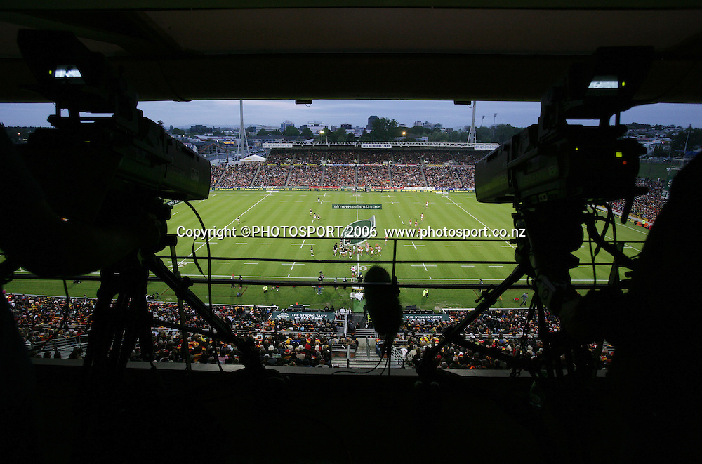 General view of action showing Sky TV cameras during the Air New Zealand Cup Final rugby match between Waikato and Wellington at Waikato Stadium, Hamilton on Saturday 21 October 2006. Waikato won 37-31. Photo: Stephen Barker/PHOTOSPORT<br /> <br /> <br /> 211006 npc nz union finals