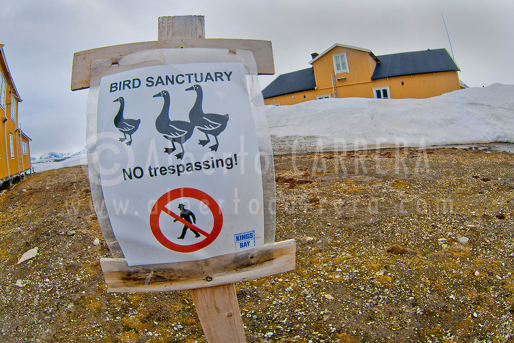 Alberto Carrera, NoTrespassing Advise, Bird Sanctuary, Ny-Alesund, Research Station, Research Town, Kongsfjord, Oscar II Land, Arctic, Spitsbergen, Svalbard, Norway, Europe