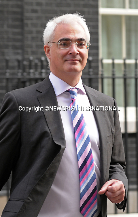 ALISTAIR DARLING.at No.10 Downing Street, London_01/04/2009.Prime Minister Gordon Brown looked a worried man for most of the time..The Obamas are in  London for the G20 Summit.PHOTO CREDIT MANDATORY: ©Dias/NEWSPIX INTERNATIONAL  .(Failure to by-line the photograph will result in an additional 100% reproduction fee surcharge)..            *** ALL FEES PAYABLE TO: NEWSPIX INTERNATIONAL ***..IMMEDIATE CONFIRMATION OF USAGE REQUIRED:Tel:+441279 324672..Newspix International, 31 Chinnery Hill, Bishop's Stortford, ENGLAND CM23 3PS.Tel: +441279 324672.Fax: +441279 656877.Mobile: +447775681153.e-mail: info@newspixinternational.co.uk