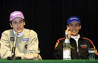 Hopp: 28.12.2001 Oberstdorf, Deutschland,<br />Martin Schmitt und Sven Hannawald am Freitag (28.12.2001) bei Pressekonferenz zum Start der Vierschanzentournee am morgigen Samstag in Oberstdorf. <br /><br />FOTO: JAN PITMAN, DIGITALSPORT