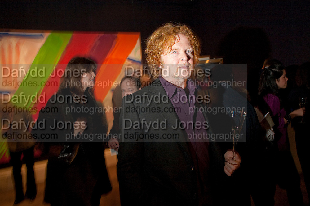 MICK HUCKNALL, Preview of  Lord and Lady Attenborough art works  at SothebyÕs. Donation from the evening to be made to RADA. New Bond St. London. 9 November 2009<br /> MICK HUCKNALL, Preview of  Lord and Lady Attenborough art works  at Sotheby's. Donation from the evening to be made to RADA. New Bond St. London. 9 November 2009