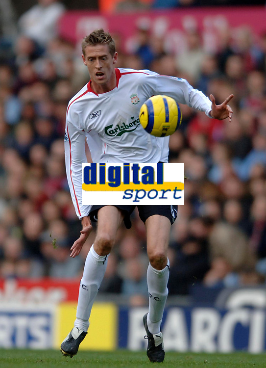 Photo: Glyn Thomas.<br />Aston Villa v Liverpool. The Barclays Premiership. <br />05/11/2005.<br />Liverpool's Peter Crouch comes on a substitute against former club Aston Villa.