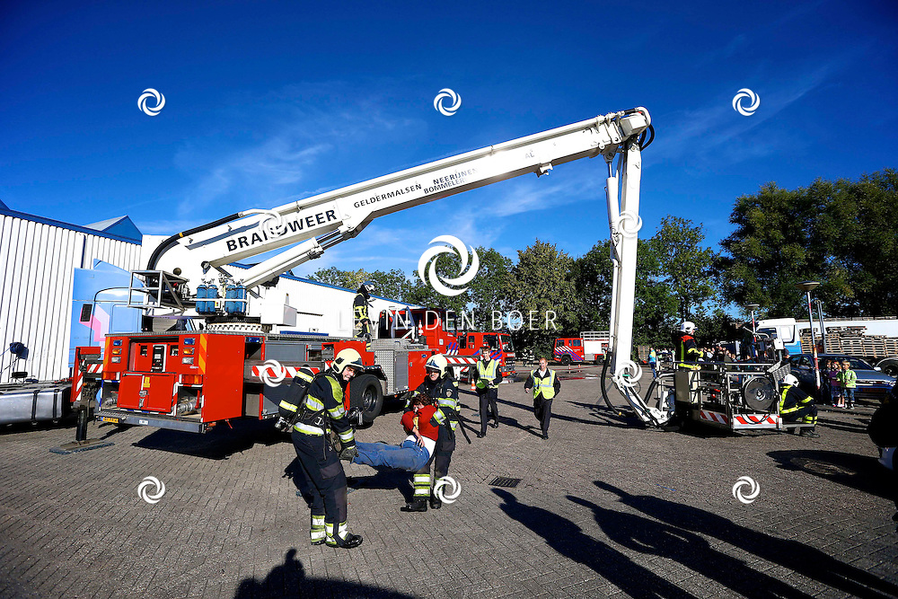 GAMEREN - Bij van Tuijl zijn er dit weekend brandweer wedstrijden gehouden. FOTO LEVIN DEN BOER - PERSFOTO.NU