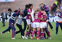 FRAUEN  FUSSBALL   CHAMPIONS LEAGUE  FINALE   2011/2012      Olympique Lyon - 1. FFC Frankfurt          17.05.2012 Olympique Lyon feiert den Sieg