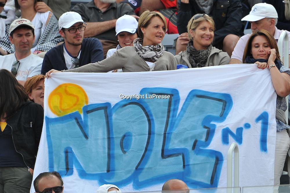 Foto Alfredo Falcone - LaPresse<br /> 18/05/2012 Roma ( Italia)<br /> Sport Tennis<br /> Internazionali BNL d'Italia 2012<br /> Novak Djocovic (SRB) - Jo-Wilfried Tsonga (FRA)<br /> Nella foto:tifosi con uno striscione<br /> Novak Djocovic (SRB) - Jo-Wilfried Tsonga (FRA)<br /> Photo Alfredo Falcone - LaPresse<br /> 18/05/2012 Roma (Italy)<br /> Sport Tennis<br /> Internazionali BNL d'Italia 2012<br /> In the pic:supporters with banner
