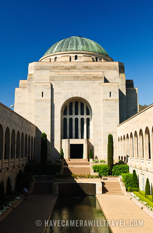 Tomb of the Unkown Soldier at the Australian War Memorial in Canberra, ACT, Australia