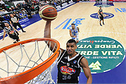 DESCRIZIONE : Campionato 2014/15 Dinamo Banco di Sardegna Sassari - Pasta Reggia Juve Caserta<br /> GIOCATORE : Carleton Scott<br /> CATEGORIA : Schiacciata Special<br /> SQUADRA : Pasta Reggia Juve Caserta<br /> EVENTO : LegaBasket Serie A Beko 2014/2015<br /> GARA : Dinamo Banco di Sardegna Sassari - Pasta Reggia Juve Caserta<br /> DATA : 29/12/2014<br /> SPORT : Pallacanestro <br /> AUTORE : Agenzia Ciamillo-Castoria / Luigi Canu<br /> Galleria : LegaBasket Serie A Beko 2014/2015<br /> Fotonotizia : Campionato 2014/15 Dinamo Banco di Sardegna Sassari - Pasta Reggia Juve Caserta<br /> Predefinita :