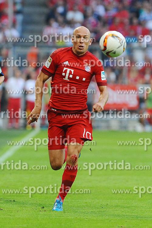 29.08.2015, Allianz Arena, Muenchen, GER, 1. FBL, FC Bayern Muenchen vs Bayer 04 Leverkusen, 3. Runde, im Bild Arjen Robben (FC Bayern Muenchen) // during the German Bundesliga 3rd round match between FC Bayern Munich and Bayer 04 Leverkusen at the Allianz Arena in Muenchen, Germany on 2015/08/29. EXPA Pictures &copy; 2015, PhotoCredit: EXPA/ Eibner-Pressefoto/ Stuetzle<br /> <br /> *****ATTENTION - OUT of GER*****