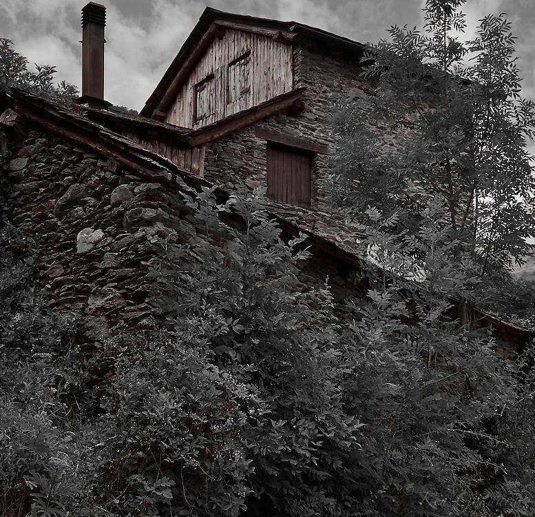 House near Surri, Vall de Cardos.