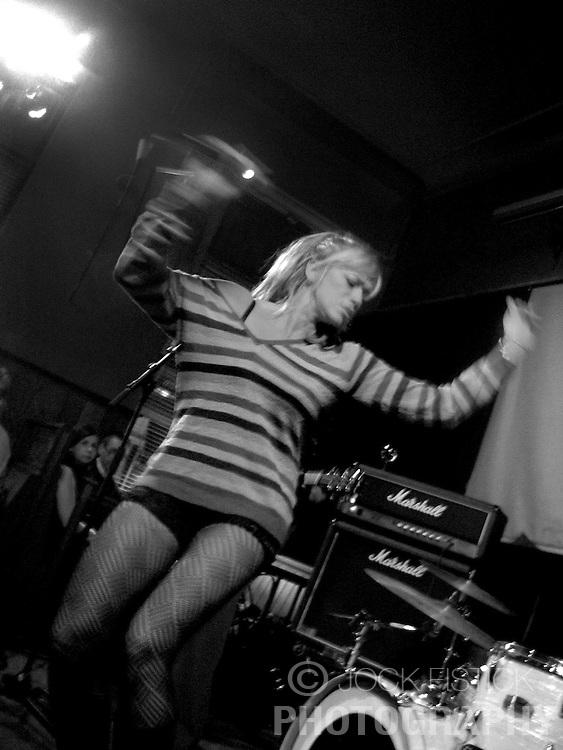 BRUSSELS, BELGIUM - OCT-21-2006 - Da Hush - Live at the Bank. (Photo © Jock Fistick)