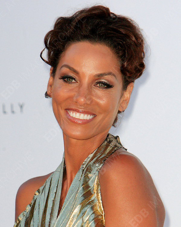 24.MAY.2012. CANNES<br /> <br /> NICOLE MURPHY AT THE AMFAR CINEMA AGAINST AIDS 2012 DURING THE CANNES FILM FESTIVAL, CANNES, FRANCE.<br /> <br /> BYLINE: EDBIMAGEARCHIVE.CO.UK<br /> <br /> *THIS IMAGE IS STRICTLY FOR UK NEWSPAPERS AND MAGAZINES ONLY*<br /> *FOR WORLD WIDE SALES AND WEB USE PLEASE CONTACT EDBIMAGEARCHIVE - 0208 954 5968*