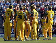 2005 Twenty/20 Cricket England vs Australia, The Rose Bowl, Southampton, Hampshire, ENGLAND 13.06.2005, Australia huddle after taking a England wicket..Photo  Peter Spurrier. .email images@intersport-images...