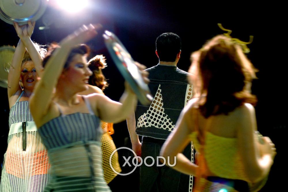 Hubcap dance, Brisbane, Australia (November 2002)
