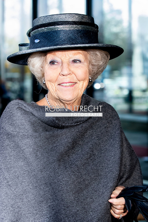 HILVERSUM - Princess Beatrix during the unveiling of the new name of Sensoor, the national listening line at the Netherlands Institute for Sound and Vision in Hilversum. COPYRIGHT ROBIN UTRECHT