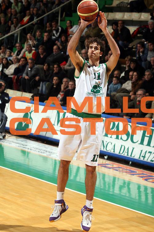 DESCRIZIONE : Siena Lega A1 2006-07 Montepaschi Siena Lottomatica Virtus Roma <br /> GIOCATORE : Datome <br /> SQUADRA : Montepaschi Siena <br /> EVENTO : Campionato Lega A1 2006-2007 <br /> GARA : Montepaschi Siena Lottomatica Virtus Roma <br /> DATA : 05/11/2006 <br /> CATEGORIA : Tiro <br /> SPORT : Pallacanestro <br /> AUTORE : Agenzia Ciamillo-Castoria/G.Ciamillo