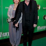 NLD/Scheveningen/20111106 - Premiere musical Wicked, Bart Chabot en partner Jolanda van den Burg