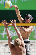 Kirk Pitman (NZ) at the NZ Beach Volleyball Open at Stanley St, Auckland, New Zealand on Friday 20 January, 2006. Photo: Hannah Johnston/PHOTOSPORT<br />