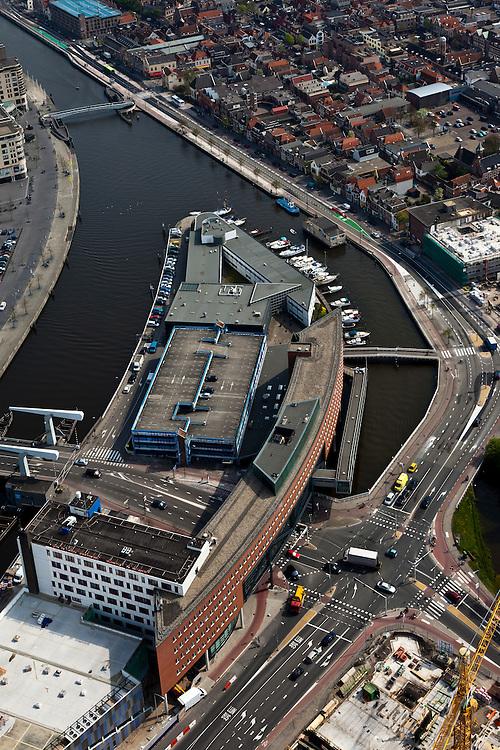 Nederland, Noord-Holland, Alkmaar, 28-04-2010; binnenstad met winkelcentrum aan de Kanaalkade..Town Overview with shopping mall..luchtfoto (toeslag), aerial photo (additional fee required).foto/photo Siebe Swart