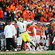 Josh Huff makes an incredible one-handed catch for the Ducks. The Beavers host the 116th Civil War college football game between Oregon and Oregon State at Reser Stadium