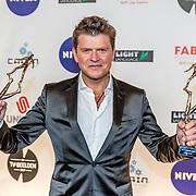 NLD/Amsterdam/20170328 - Uitreiking Tv Beelden 2017, Beau van Erven Dorens met zijn prijzen