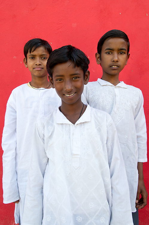 The kurta pajama is since long a popular sets of clothing in traditional India. The kurta pajama is meant to be worn by the boys and men of India. The pajamas consists of a loose and light comfortable drawstring trousers and a long, loose shirt. The shirt typically reaches the knees of the man, sometimes shorter.