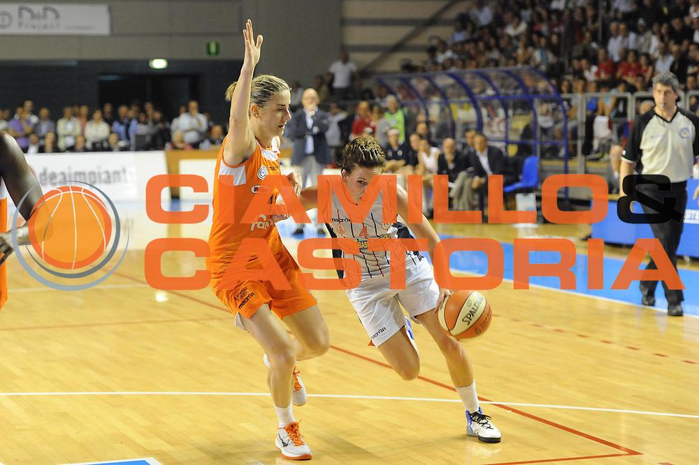 DESCRIZIONE : Schio LBF Playoff Finale Gara 3 Cras Basket Taranto Famila Wuber Schio<br /> GIOCATORE : Megan Marie Mahoney<br /> CATEGORIA : palleggio<br /> SQUADRA : Cras Basket Taranto<br /> EVENTO : Campionato Lega Basket Femminile A1 2011-2012<br /> GARA : Cras Basket Taranto Famila Wuber Schio<br /> DATA : 08/05/2012<br /> SPORT : Pallacanestro <br /> AUTORE : Agenzia Ciamillo-Castoria/C.De Massis<br /> Galleria : Lega Basket Femminile 2011-2012<br /> Fotonotizia : Schio LBF Playoff Finale Gara 3 Cras Basket Taranto Famila Wuber Schio<br /> Predefinita :