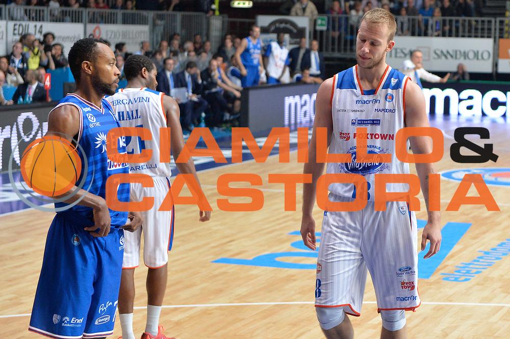 DESCRIZIONE : Cantu, Lega A 2015-16 Acqua Vitasnella Cantu' Enel Brindisi<br /> GIOCATORE : Jakub Wojciechovski<br /> CATEGORIA : Delusione<br /> SQUADRA : Acqua Vitasnella Cantu'<br /> EVENTO : Campionato Lega A 2015-2016<br /> GARA : Acqua Vitasnella Cantu' Enel Brindisi<br /> DATA : 31/10/2015<br /> SPORT : Pallacanestro <br /> AUTORE : Agenzia Ciamillo-Castoria/I.Mancini<br /> Galleria : Lega Basket A 2015-2016  <br /> Fotonotizia : Cantu'  Lega A 2015-16 Acqua Vitasnella Cantu'  Enel Brindisi<br /> Predefinita :